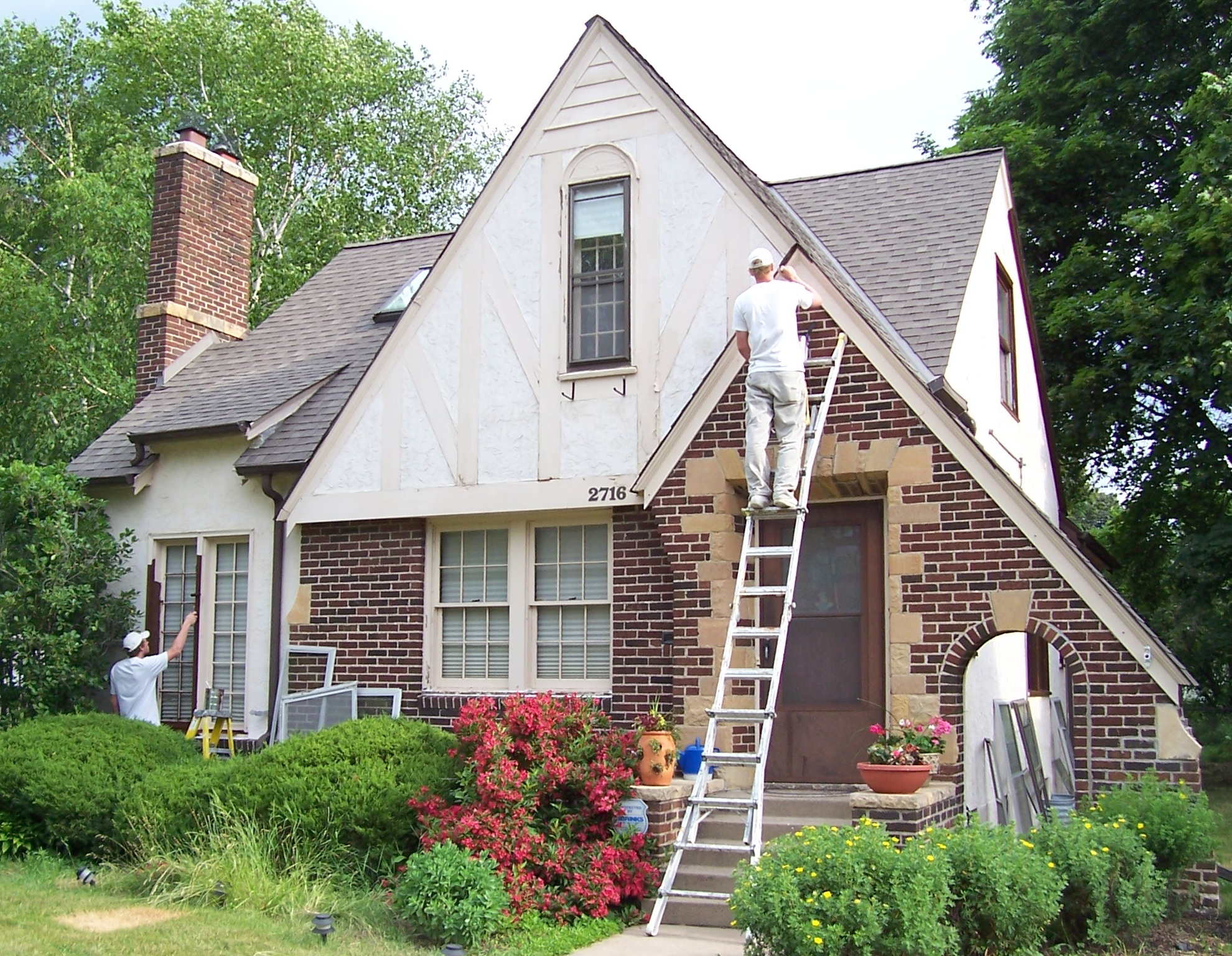 Exterior House Painters Edgebrook. Aardvark Painting Inc